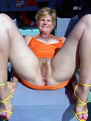 free amature great mature legs