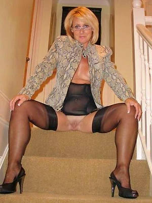 naked mature ladies stockings