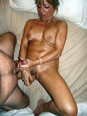mature woman boastfully handjobs porn
