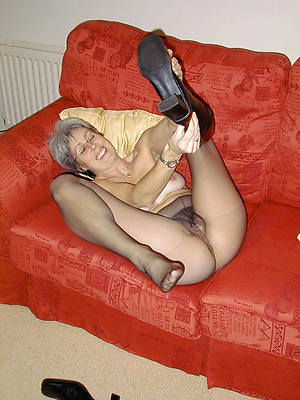 mature become man pantyhose home pics