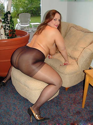 free amature mature granny pantyhose pics