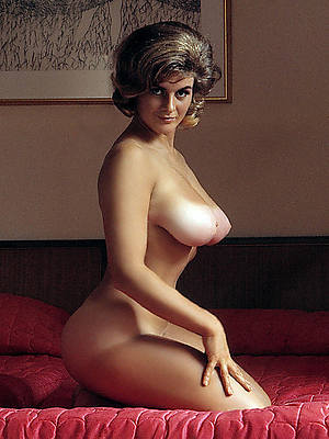 sexy naked vintage mature boobs