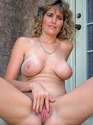fantastic amateur mature pussy