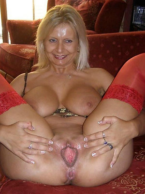 free pics of mature pussy solo