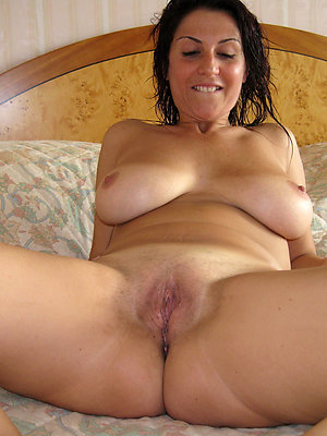tight full-grown pussy stripped