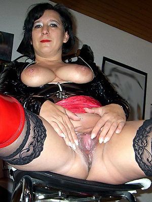 unconforming pics of tight mature pussy