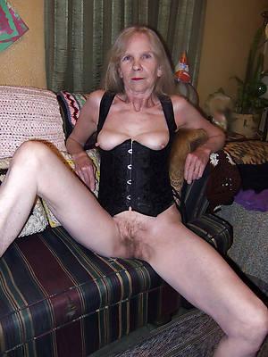 sweet overt mature grandma foto
