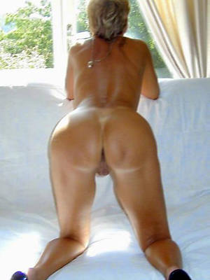 large ass mature adult home pics