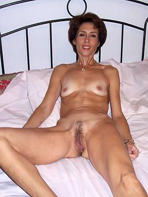 sweet nude skinny mature wife