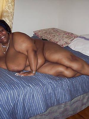 mature ebony moms pictures