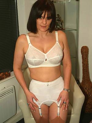 mature woman skivvies pics