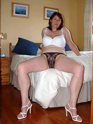 petite grown up women in panties pictures
