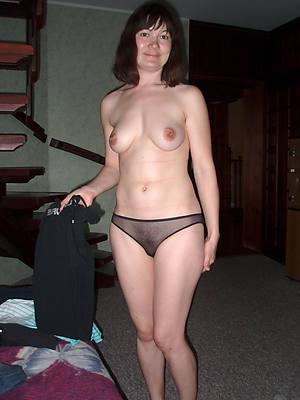short hair mature pantie pics