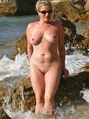 free of age shaved women big pussies