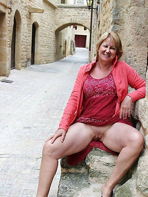uk mature upskirt big pussies
