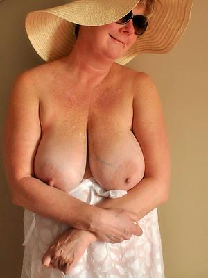 mature women over 60 amateur pics