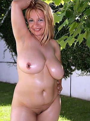 mature mom big tits amature full-grown habitation pics