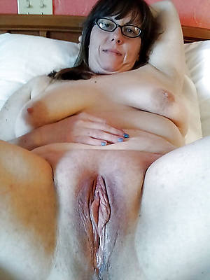 amateur mature vulva pics