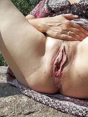 amater mature pussy up close pics