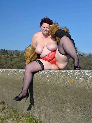 sexy thick mature adult home pics