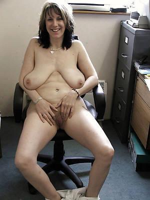 fresh saggy tit matures porno pics