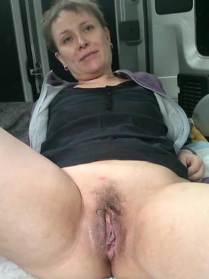 petite mature cunt lips pics