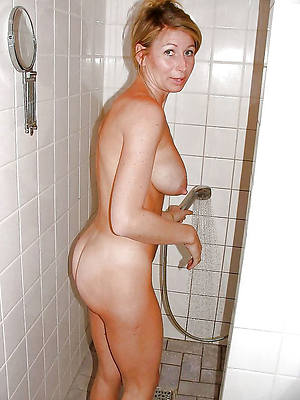 naked pics be fitting of mature unspecified in shower