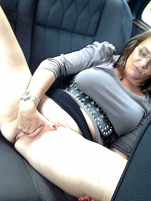 horny mature lady pictures