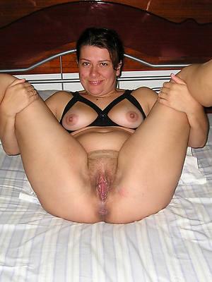 horny mature slut porno pictures