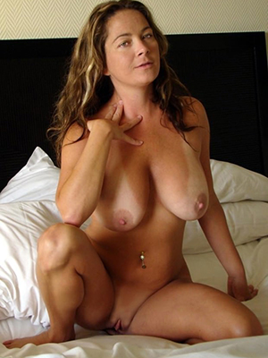 beautiful hot mature females pics