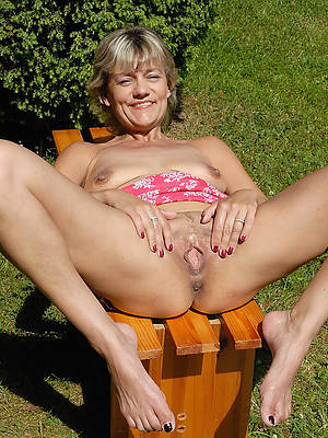 nude women hither the outdoors porno pictures