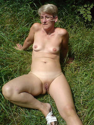 free hd mature outdoor pussy
