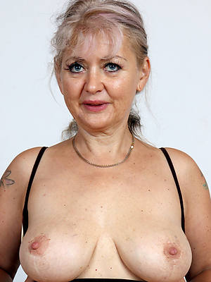 free amature nude 60 year old women