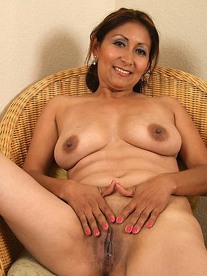 bosomy mature latinas