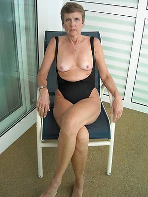 mature string bikini amature mature home pics