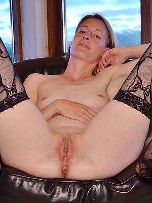 of age bald pussy porno pics