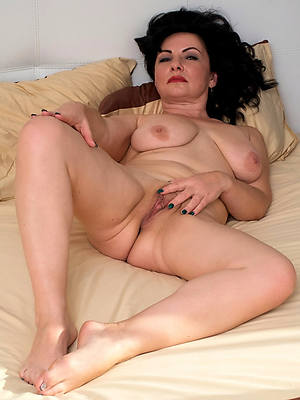 mature shaved cunts porns
