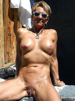 horny shaved adult women
