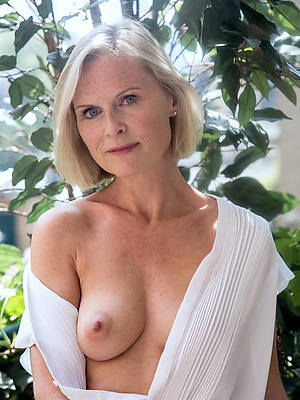 horny 50 year old undressed women pics