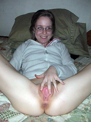 free amateur mature perfect pussy nude pics
