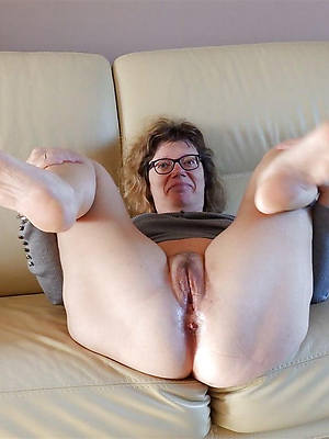 hatless pussy mature porno pictures