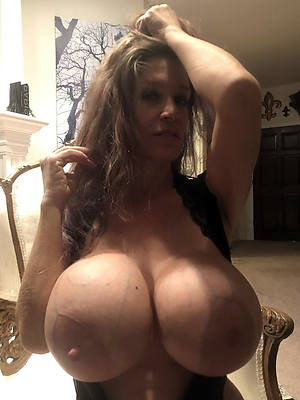 naked pics of big tits mature wife