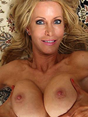 free amature mature women 30 gallery