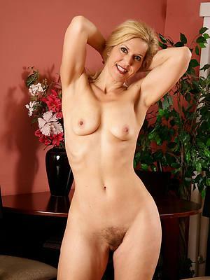 sexy blonde grown up aristocracy porns