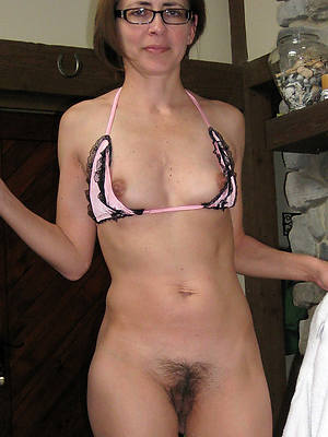 naked pics of matures with glasses