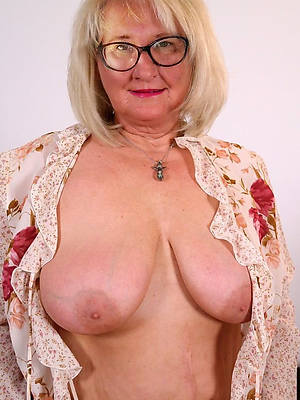 dirty matures with glasses amateur porn pics