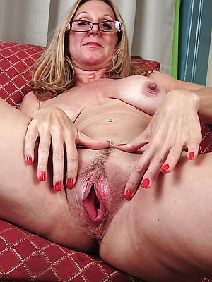 nude mature pussy spread sex pics