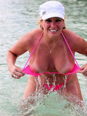 mature in bikinis pics