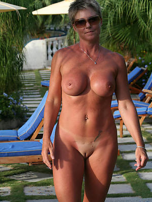 mature shaved pussy stripped