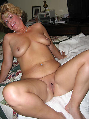 porn pics of grown-up shaved pussy